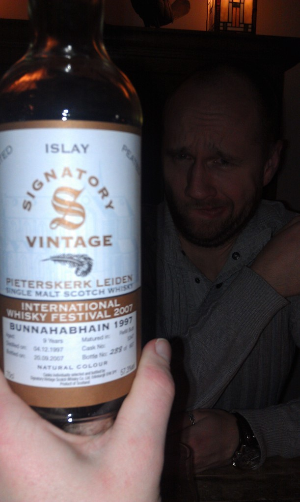 Bunna 1997. Good whisky. Look at the troll hiding behind it.