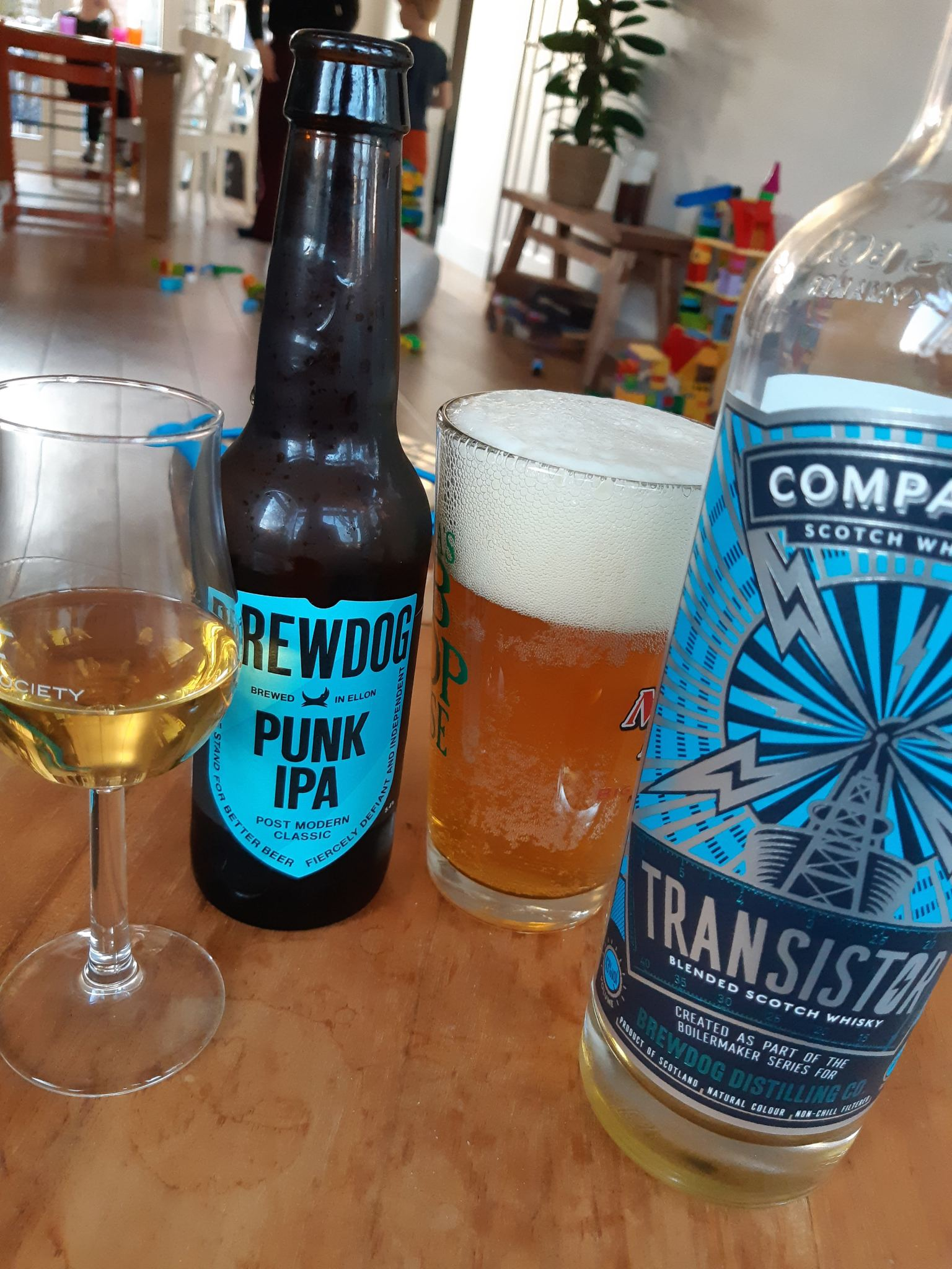 Transistor, Blended Scotch Whisky, 43% – Compass Box (and Punk IPA)